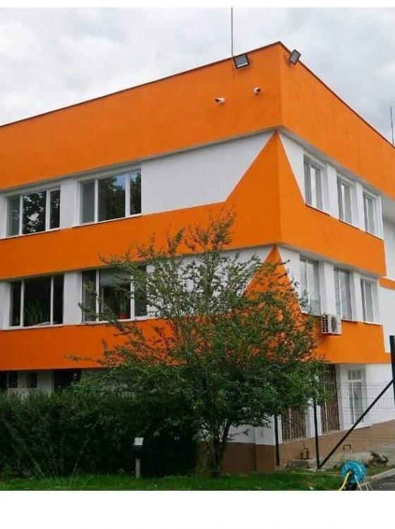 Боядисване административна сграда ЧЕЗ (2)