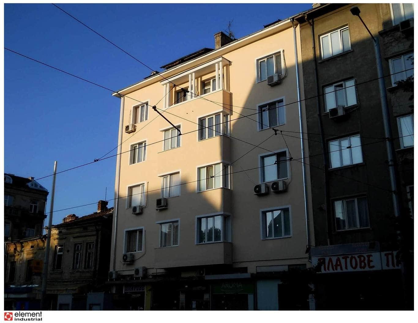Боядисване жилищна сгрда (2)