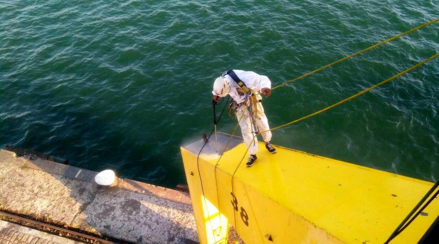 Почистване с вода под високо налягане